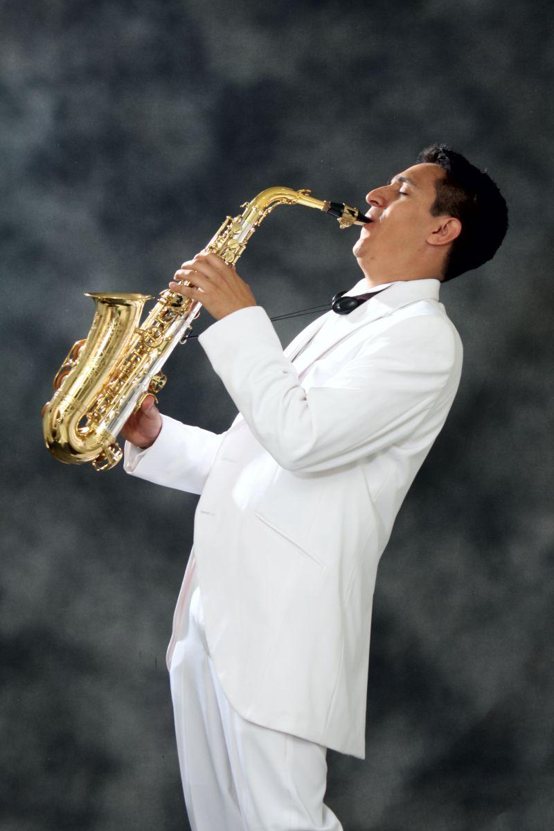 Saxofonista en Bogotá excelente opción